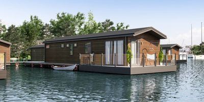 Sawley Marina floating home