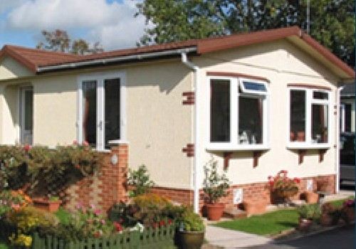 Grove farm park residential park homes in surrey south for Grove park house