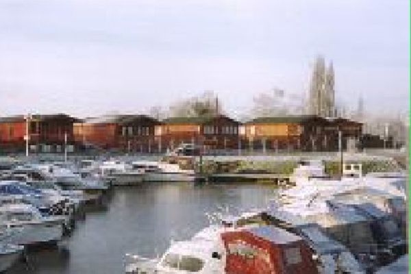 Picture of Little Venice Country Park and Marina, Kent
