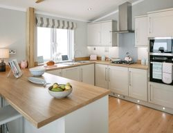 SetWidth850-Wessex-Contemporary-Kitchen2WEB
